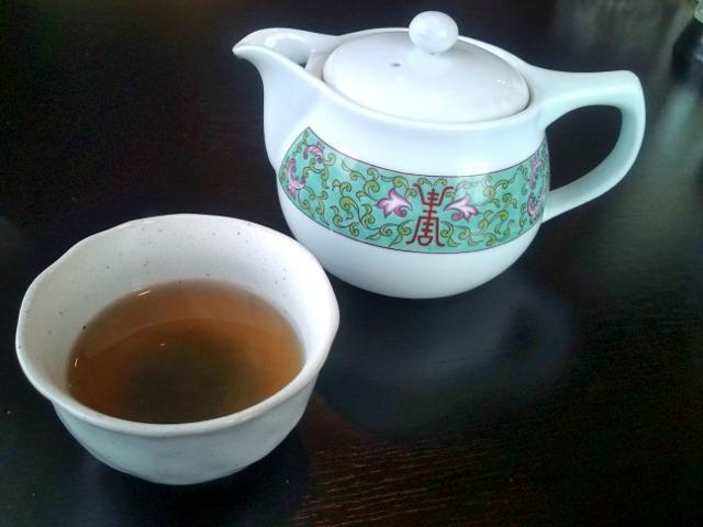 食後にプーアル茶