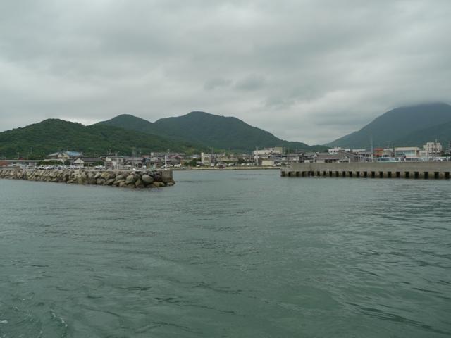 蓋井島へむけて出航